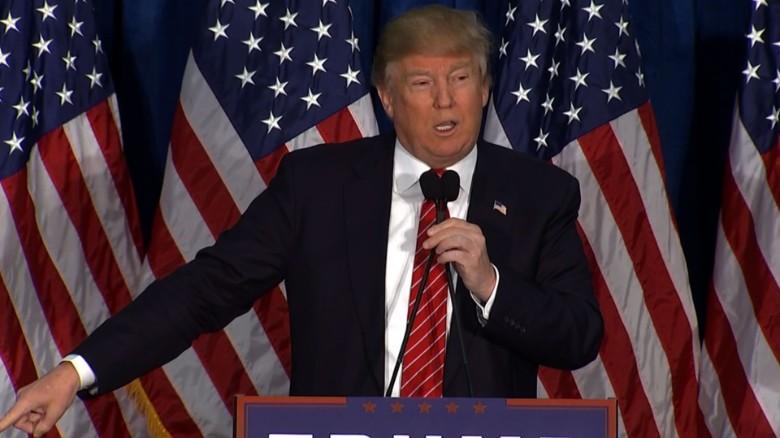 Donald Trump Mitt Romney 2012 endorsement_00000000