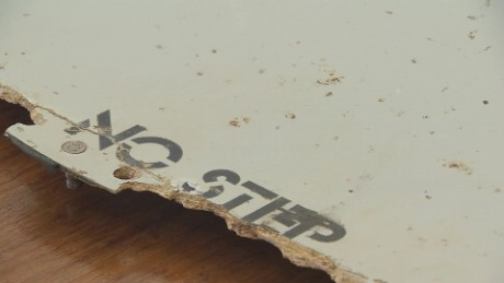 mh370 debris discovered mozambique mckenzie pkg_00010427.jpg