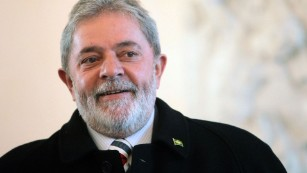 Fmr. Brazilian Pres. questioned in bribery investigation