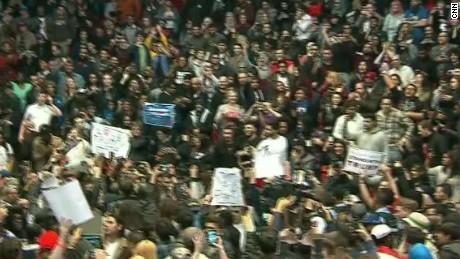 trump rally protest chaos erin acosta_00001404