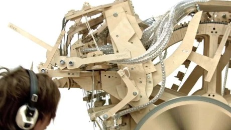 machine uses marbles to make melodies_00014115