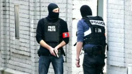 manhunt brussels escaped gunmen cnn elbagir_00001028