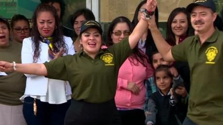 cnnee pkg rey rodriguez mexico liberan a nestora salgado_00004727