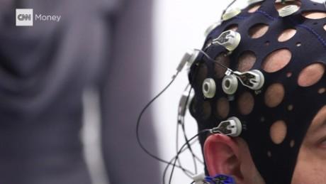 brain donald trump brainwaves stelter pkg_00011617