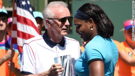 Serena Williams slams 'offensive' comments