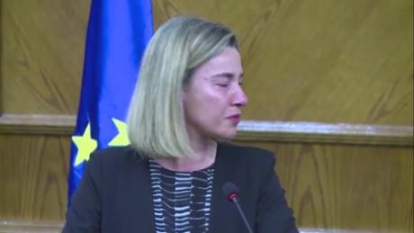 cnnee vo federica mogherini jefa diplomatica rompe en llanto por atentado en bruselas _00002405