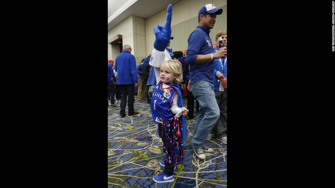 Henry Knapheide, 4, displays his Kansas Jayhawks spirit before the team played in Des Moines, Iowa, on Saturday, March 19.
