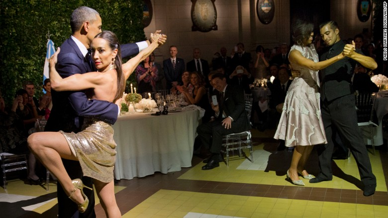 Obama and first lady dance the tango