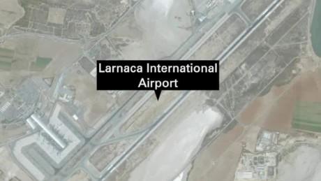 egypt egyptair flight hijacked cyprus landing lee live_00000000