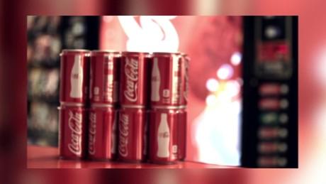 cnnee pkg cristina alesci coca cola ventas bajas latas pequenas_00011821