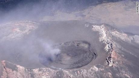 cnnee pkg digital popocatepetl crater domo se derrumba_00002123