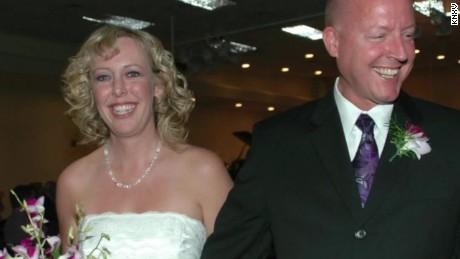 emergency room nurse learns husband killed crash dnt_00000123.jpg