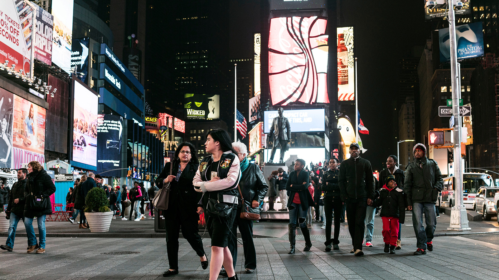 times square-descriptive essay Free new york city papers, essays, and the experience that is times square - there is no such descriptive essay - new york city in the morning - a violin.