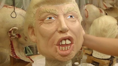 mexico trump mask romo pkg_00004923
