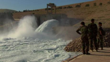 cnnee pkg arwa damon mosul represa peligro inundacion_00013803