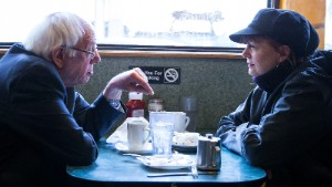 NEW YORK, NY - APRIL 8:  Democratic presidential candidate Sen. Bernie Sanders (D-VT) and actress Susan Sarandon visit a diner April 8, 2016 in the Brooklyn borough of New York City. The New York Democratic primary is scheduled for April 19th. (Photo by Eric Thayer/Getty Images)