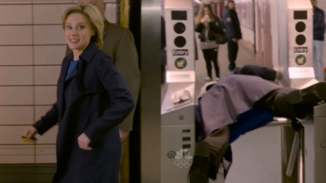 SNL Hillary Clinton subway newday_00000000.jpg
