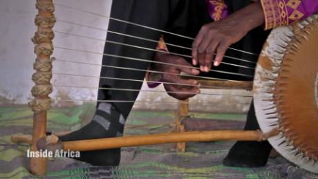 inside africa tanzania music spc b_00023326.jpg