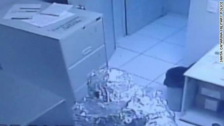 tin foil robbers brazil lklv romo _00003019.jpg
