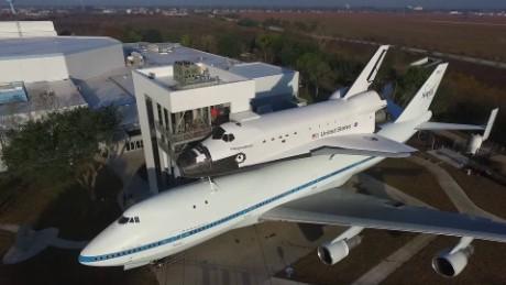 cnnee pkg valdes boeing 747 exhibicion nasa _00002621
