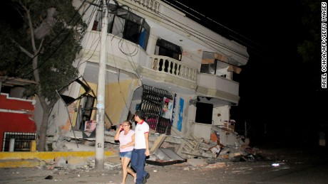Ecuador earthquake: Death toll jumps to 272; more than 2,500 injured