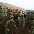 01 japan quake 0418