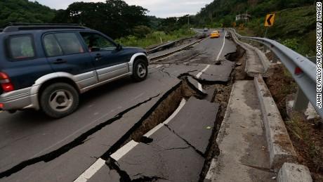 cnnee cafe lkl boris sanchez guayaquil ecuador terremoto _00004226