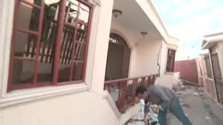 ecuador aftermath valdes walk talk cnn_00003620