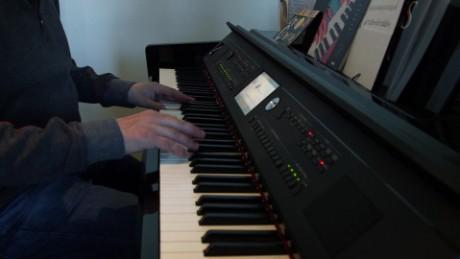Reince Priebus plays the piano_00000000