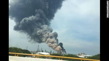 cnnee vo pemex explosion en veracruz pajaritos coatzacalcos _00003630