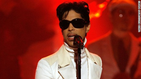 PASADENA, CA - JUNE 01:  Musician Prince performs onstage during the 2007 NCLR ALMA Awards held at the Pasadena Civic Auditorium on June 1, 2007 in Pasadena, California.  (Photo by Vince Bucci/Getty Images) *** Local Caption *** Prince