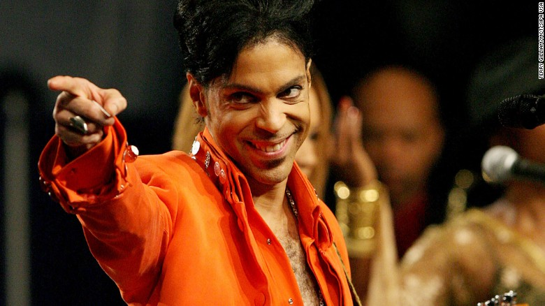 Prince performs during a news conference for Super Bowl XLI in 2007.