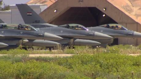 iraq airbase f16 damon pkg_00004822.jpg
