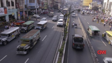Manila Bourdain travel minute orig_00004107.jpg