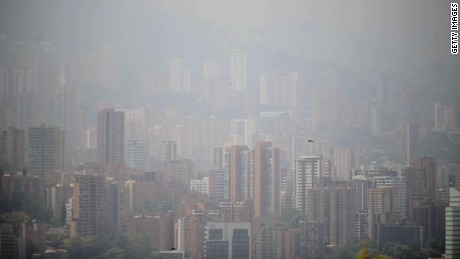 cnnee pkg marisa azaret el cambio climatico y su impacto en la salud _00004619