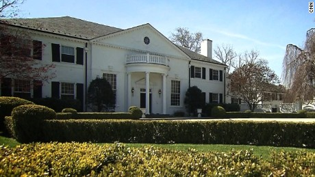 Roth tours Trumps 1980s home in Greenwich Connecticut.