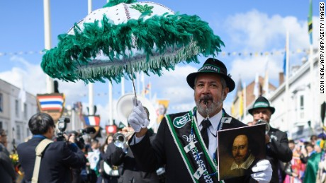 A New Orleans jazz band perform during during a parade to mark 400 years since the death of English writer William Shakespeare in Stratford-upon-Avon in central England on April 23, 2016.  William Shakespeare's hometown of Stratford-upon-Avon on Saturday leads the global celebrations to mark 400 years since the playwright's death, with enough star-studded plays, concerts and parades to bring the town to a standstill. / AFP / LEON NEAL        (Photo credit should read LEON NEAL/AFP/Getty Images)