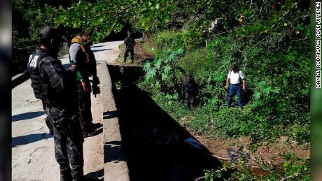 cnnee pkg krupskaia alis el video oculto de ayotzinapa periodistas giei zeron pgr _00044308