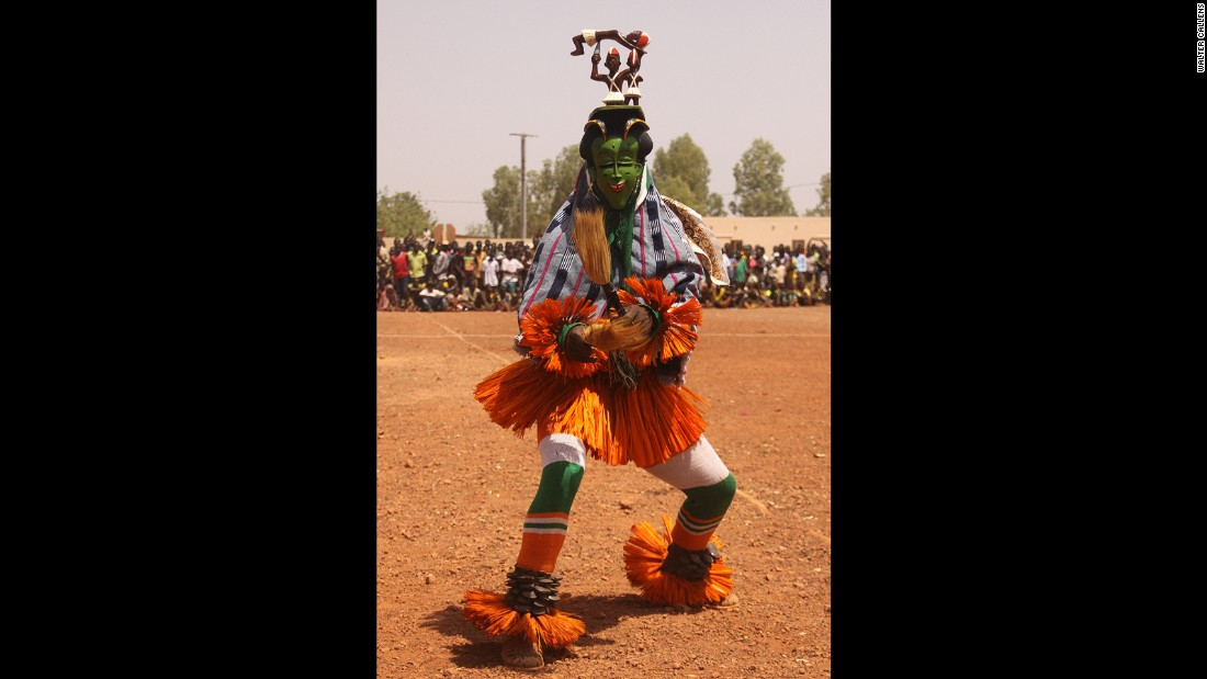 Zaouli performers from the Ivory Coast are known from their incredibly fast footwork, kicking up a cloud of dust as they pound the earth to fast rhythmic music.