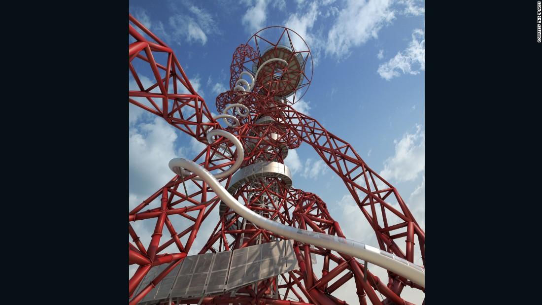 Ele tece em torno dos 115 metros de altura (377 pés) Orbit Tower, em Londres.
