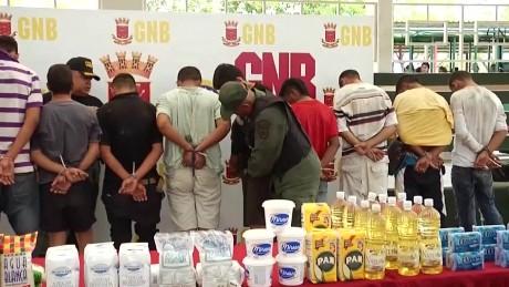 venezuela looting tensions crisis pkg romo _00000329.jpg