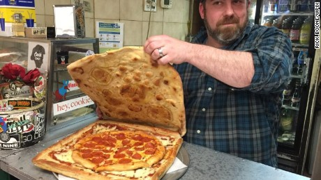 The pizza box pizza gives customers the option to eat the box and reduces cardboard waste. (