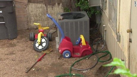 texas toddlers tied up in backyard pkg _00000410.jpg