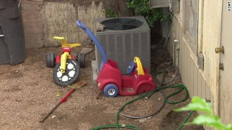 texas toddlers tied up in backyard pkg _00000410.jpg