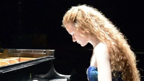 Russian Pianist Asiya_00003019.jpg