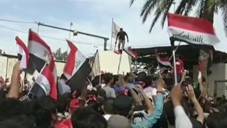 Iraq Baghdad Green Zone Protests Ben Wedeman_00013605