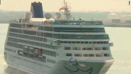 us cruise ship arrives in cuba oppmann _00001408.jpg