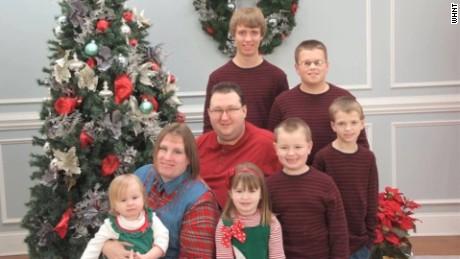 parents of 6 die 48 hours apart pkg_00002606