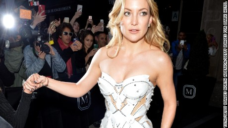 "NEW YORK, NY - MAY 02:  Actress Kate Hudson leaves from The Mark Hotel for the 2016 ""Manus x Machina: Fashion in an Age of Technology"" Met Gala on May 2, 2016 in New York City.  (Photo by Andrew Toth/Getty Images for Mark Hotel)"