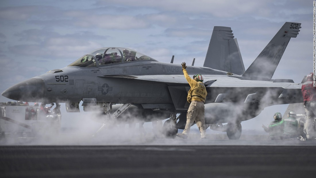 Navy admits aircrew drew an obscene image in the sky